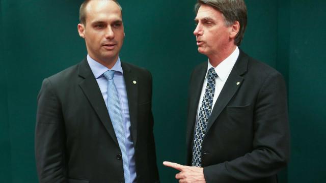 Bolsonaro acredita que Senado irá aprovar Eduardo como embaixador