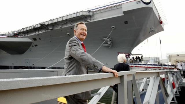 George Bush quase foi vítima de canibalismo de japoneses na 2ª Guerra