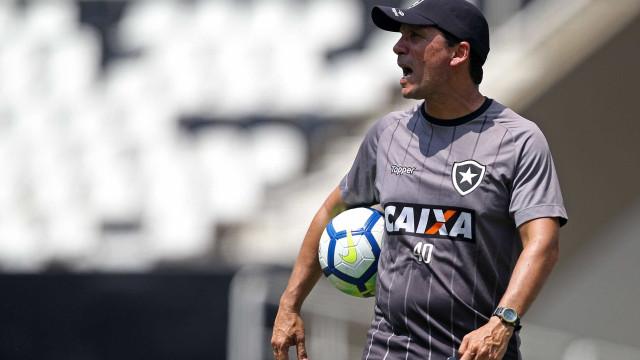 Botafogo renova contrato de Zé Ricardo até o fim de 2019