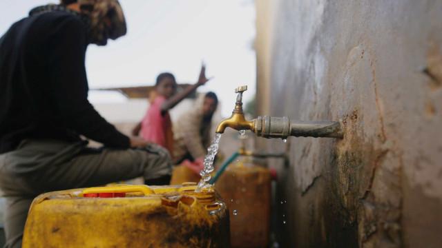 Quase toda a população do Iêmen precisa de ajuda humanitária