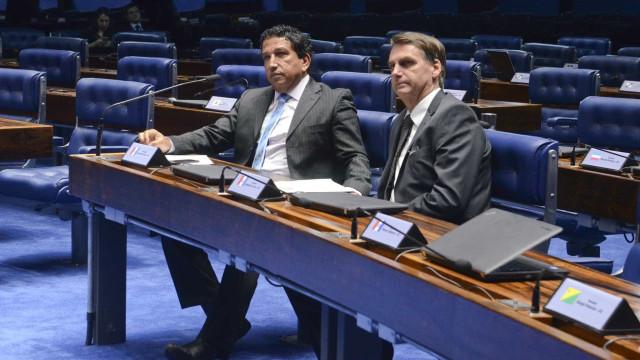 Bolsonaro diz que ministério para Magno Malta não é adequado no momento