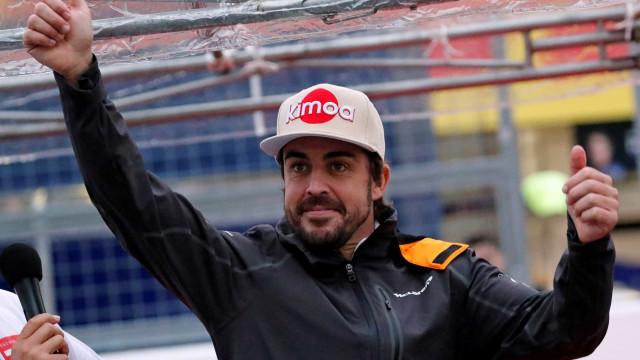 Alonso retoma treinos físicos uma semana após acidente de bicicleta na Suíça