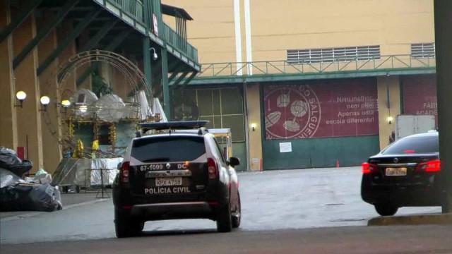 Polícia faz operação contra lavagem de dinheiro em escola de samba