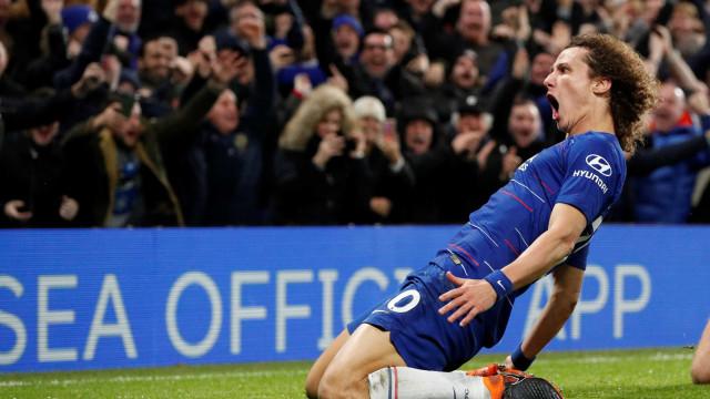David Luiz marca e Chelsea vence o Man. City pelo Campeonato Inglês