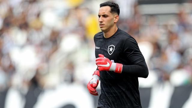 Gatito brilha e Botafogo elimina Náutico nos pênaltis na Copa do Brasil