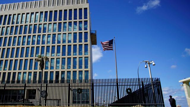 EUA fecham escritório em Cuba para assuntos migratórios