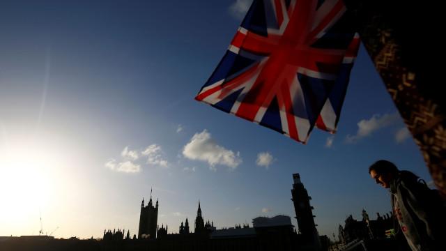 Covid-19: Reino Unido somou 8.523 casos e 345 mortes no último dia