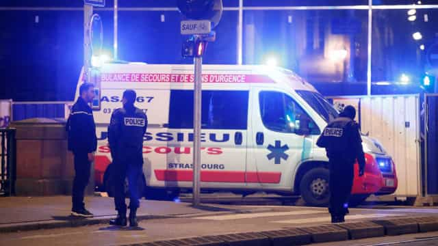 Sobe para quatro número de mortos em ataque na França