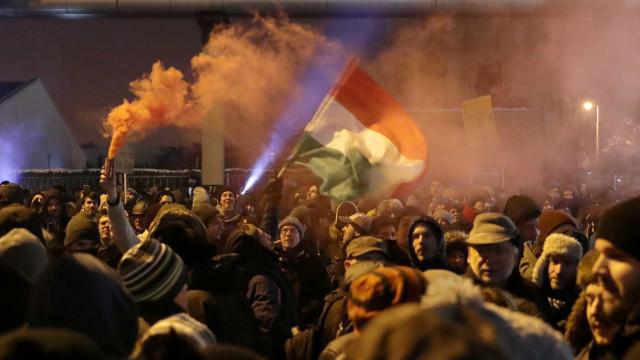 'Lei da escravidão' gera polêmica e violência na Hungria