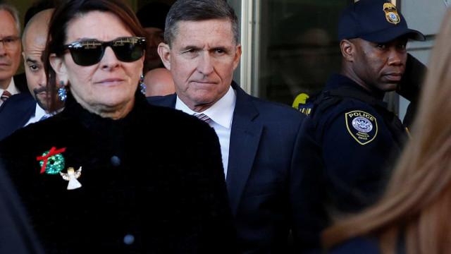 Sentença de Flynn, ex-assessor de Trump, é adiada para março