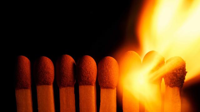 Empresário é esfaqueado e queimado vivo às margens de rodovia