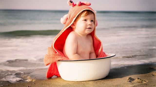 Bebês exigem cuidados redobrados em dias mais quentes