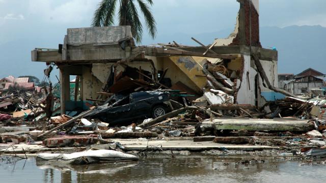 Agência nacional alerta para possibilidade de novo tsunami na Indonésia