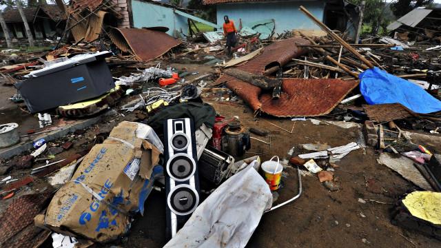 Indonésia diz que número de vítimas do tsunami subirá