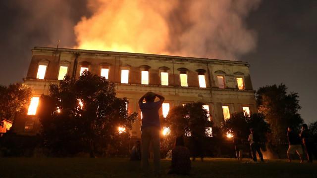 Museu Nacional começa restauração para reabrir parcialmente
