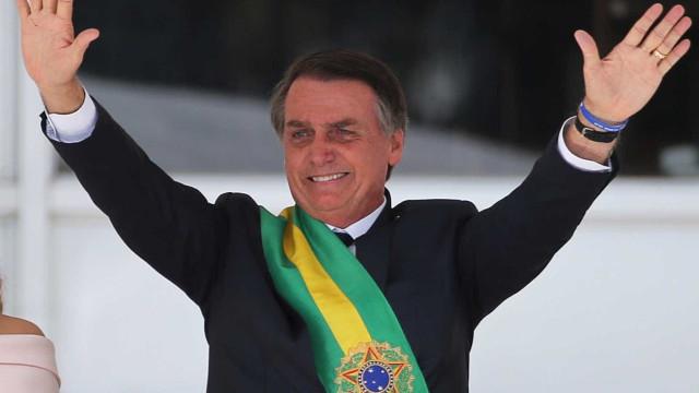 Índio e quilombola são explorados e manipulados por ONGs, diz Bolsonaro