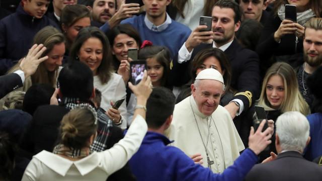 Papa critica quem 'vai à igreja e odeia os outros'