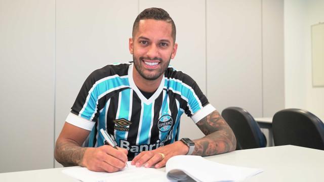 Grêmio anuncia contratação do volante Rômulo por empréstimo