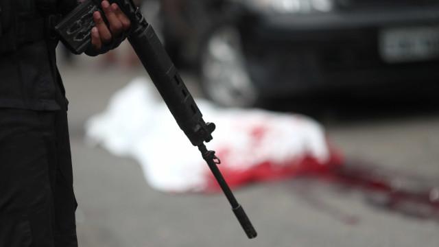 Mortes em confronto com a polícia aumentam 49% no RJ