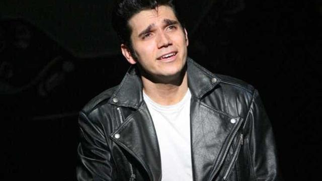 Ator de 'Grease', na Broadway, morre aos 38 anos, diz site
