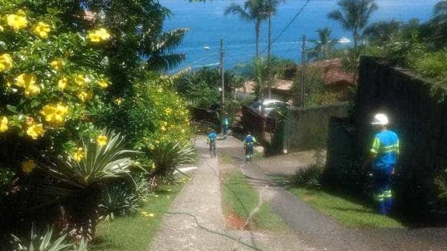 Sem água por dias, Ilhabela desliga duchas nas praias do arquipélago