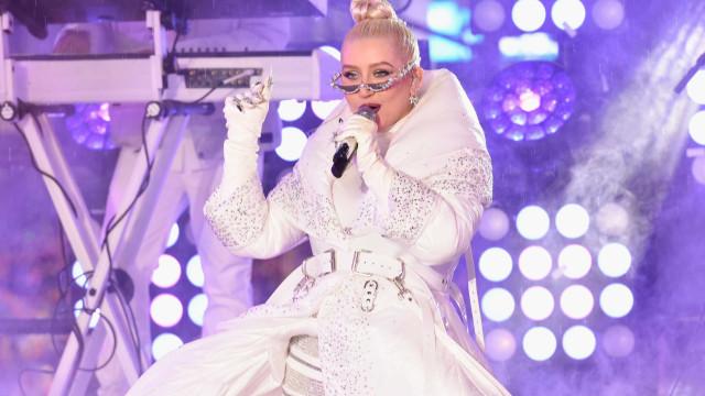 Aguilera apoia Gaga ante polêmica com hit 'Do What U Want'; entenda