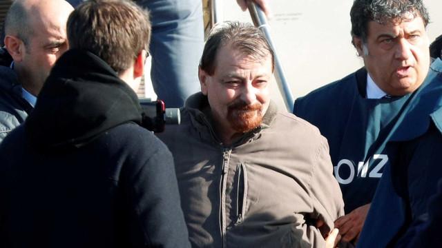 Battisti tentou refúgio no Uruguai, diz site