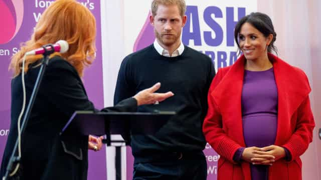 Palácio nega que Harry e Meghan vão criar bebê real com 'gênero fluído'