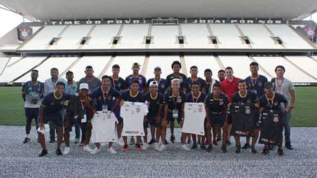 Corinthians paga passagens de volta de adversário na Copinha