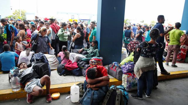 Ignorado, abrigo na fronteira com Venezuela tem fome e superlotação