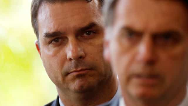 Anonymous liga Flávio Bolsonaro ao assassinato de Marielle
