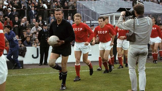 Ex-jogadores relembram vitória de time do Paraná sobre seleção da URSS