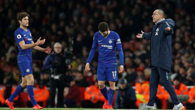 Chelsea é proibido de contratar jogadores durante um ano