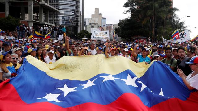 Manifestantes prometem nova greve nacional na Colômbia