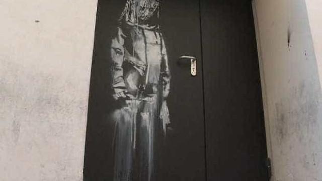 Obra de Banksy é roubada de casa de shows atacada em Paris em 2015