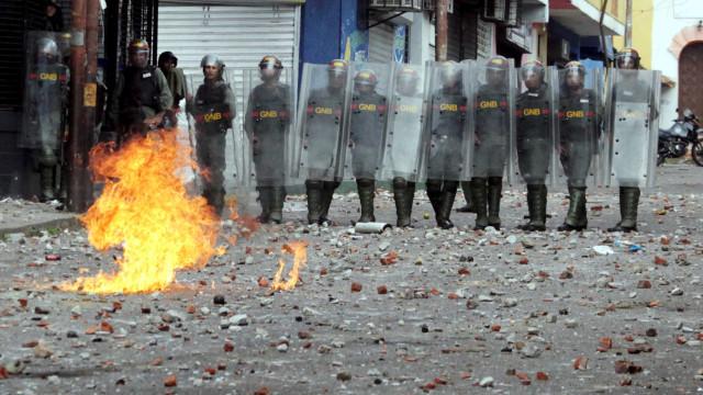 Papa diz temer 'derramamento de sangue' na Venezuela
