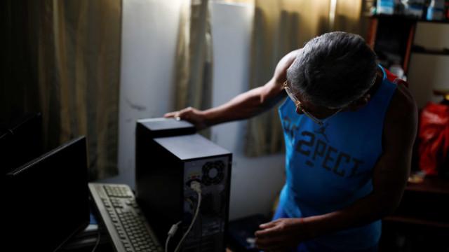 Internet cai na Venezuela em véspera de novo protesto contra Maduro