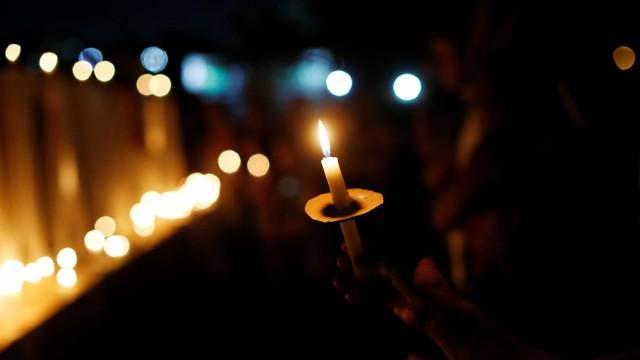 Sob forte comoção, parentes e amigos se despedem de vítimas da Vale