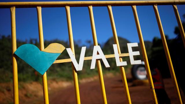 Bolsa sobe com Vale e bancos, mas tem primeira queda semanal do ano
