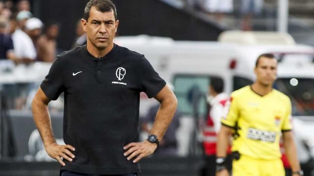 Carille admite sondagens para sair e quer reforços no Corinthians