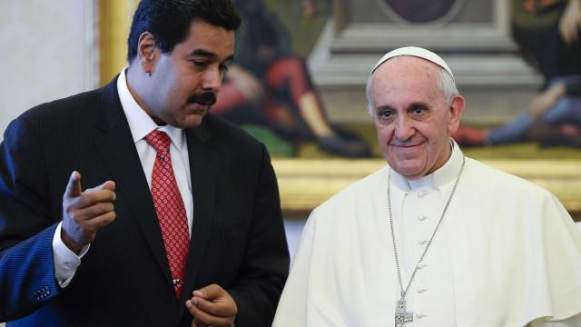 Maduro diz que enviou carta pedindo ajuda ao Papa Francisco