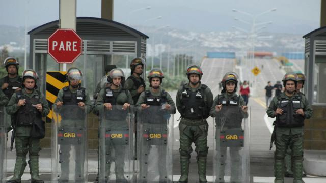 Governo venezuelano reforça presença militar na fronteira com o Brasil