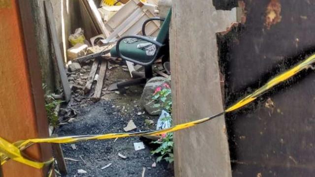 Mulher é morta e enterrada na casa de homem que roubou seu celular