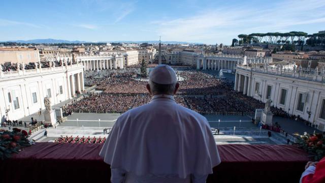 Vaticano reage à destruição de esculturas indígenas