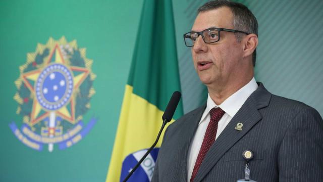 Sem citar nomes, ex-porta-voz Rêgo Barros critica Bolsonaro em artigo