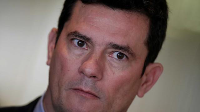 Para oposição, mensagens mostram Moro 'acusador'