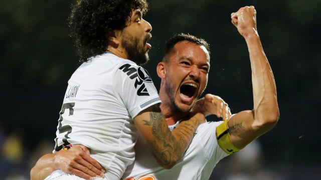 Atlético-MG vence e fica perto da fase de grupos da Libertadores