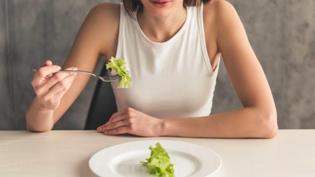 Não almoçou? Entenda o que pular uma refeição causa ao corpo