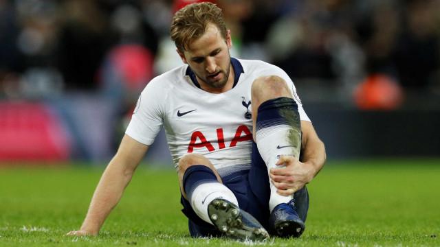 Kane treina com time e pode reforçar Tottenham após 40 dias fora