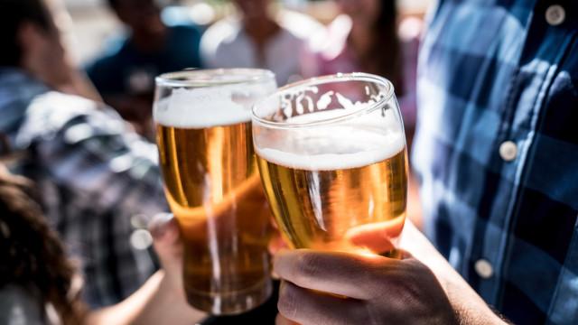 Consumo de cervejas cai 6% no último trimestre de 2020, diz Kantar
